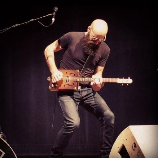 Ael_concert_giroussens_guitare_electrique (10)