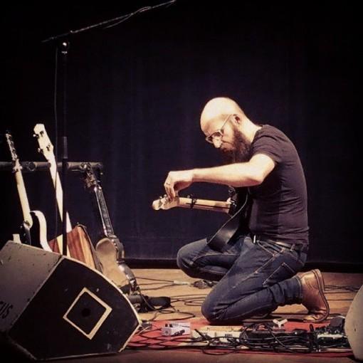 Ael_concert_giroussens_guitare_electrique (12)