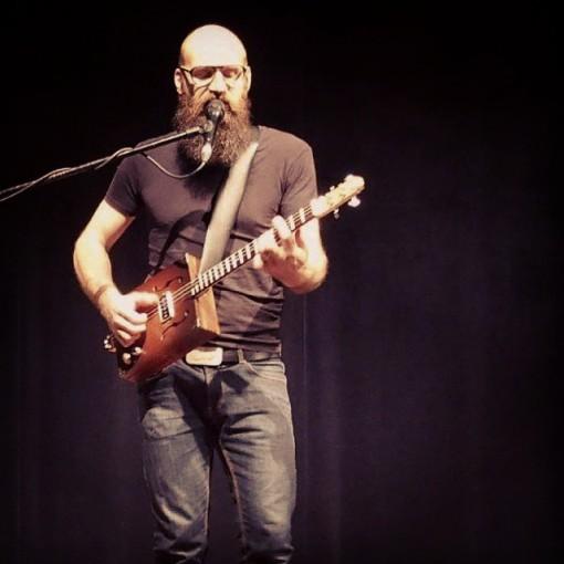 Ael_concert_giroussens_guitare_electrique (9)