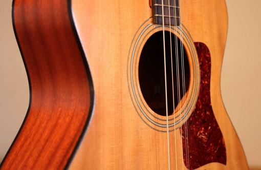000ael taylor 4 cordes guitar (3)