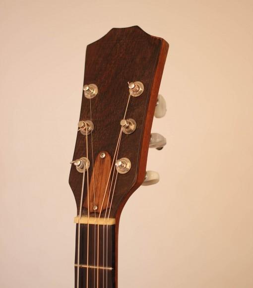 000ael taylor 4 cordes guitar (5)